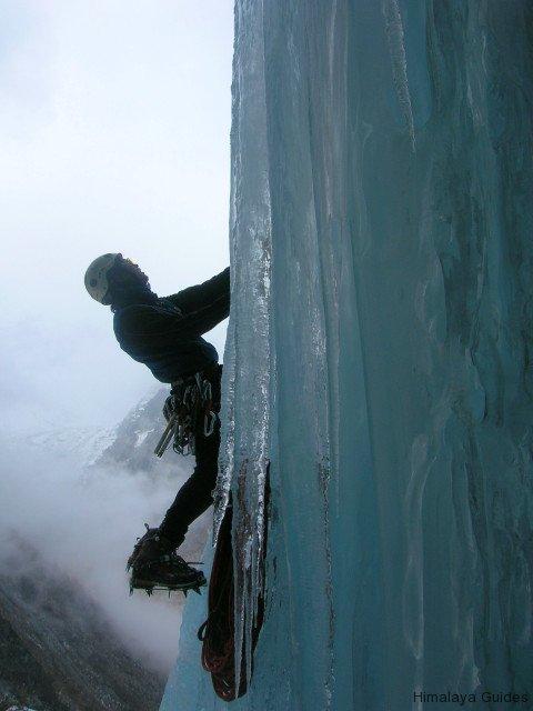 ice-climb-nepal-1