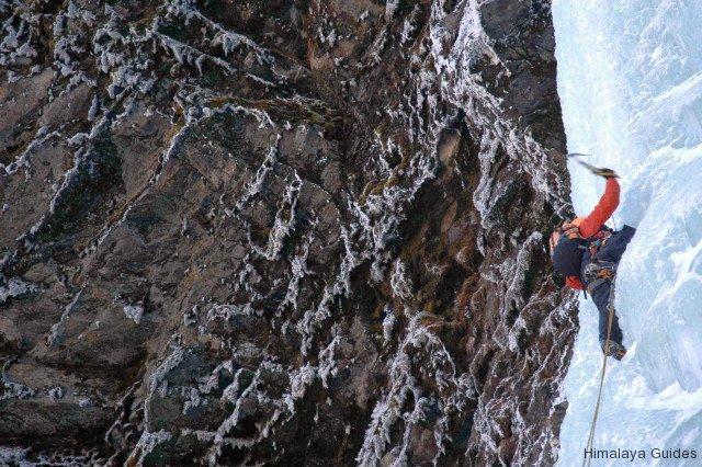 ice-climb-nepal-10